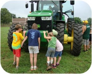 CampGreen_Tractor2